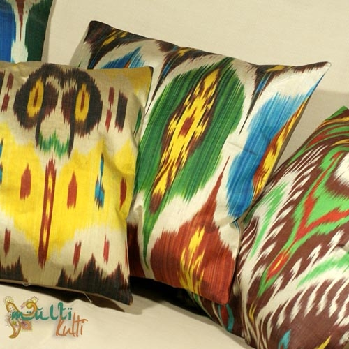 orientalna poduszka ikat