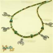 Salhat: naszyjnik z turkusu z amuletami
