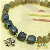 Hamsa: bransoletka z kamieni i srebra