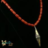 Naszyjnik z korala z wisiorem turkmeńskim