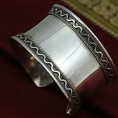 Duża orientalna bransoleta ze srebra