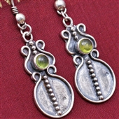 Orientalne srebrne kolczyki z oliwinem