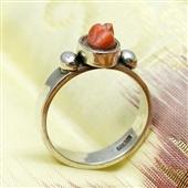 Srebrny pierścionek z koralem