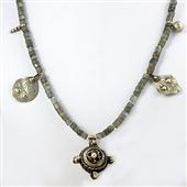 Długi naszyjnik etniczny z kamieni i srebra