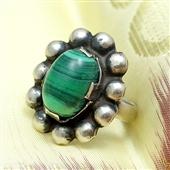 Srebrny pierścionek z malachitem