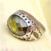 Srebrny orientalny pierścionek z kamieniem