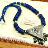 Zar: Naszyjnik z amuletem
