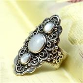 Orientalny pierścionek z opalami