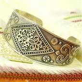 Otwarta srebrna bransoleta boho