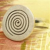 Srebrny pierścionek ze spiralą
