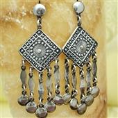 Długie srebrne kolczyki orientalne