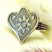 Srebrny boho pierścionek serce