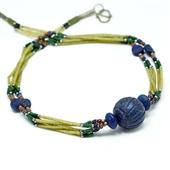 Naszyjnik afgański z rzeźbionym lapis lazuli