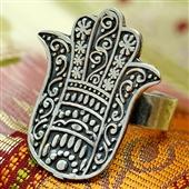 Srebrny pierścionek. Amulet Hamsa