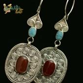 Kazachstan: srebrne kolczyki z karneolem