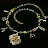 Szkło weneckie, srebro Berberów, labradoryt