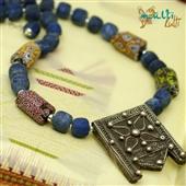 Srebrny amulet, szkło weneckie i lapis lazuli