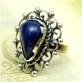 Srebrny pierścionek z dużym kamieniem lapis lazuli