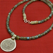 Labradoryt ze spiralą Berberów - długi naszyjnik