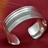 Duża srebrna bransoleta etniczna