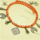 Berber: naszyjnik z korala i srebra