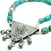 Stuletni amulet Zar. Etniczny naszyjnik z turkusu